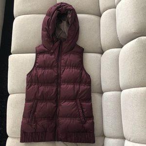 Hooded vest from lululemon size 4 burgandy